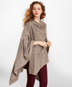 PONCHO BROOKS BROTHERS POINTELLE CABLE-KNIT MERINO WOOL RUANA